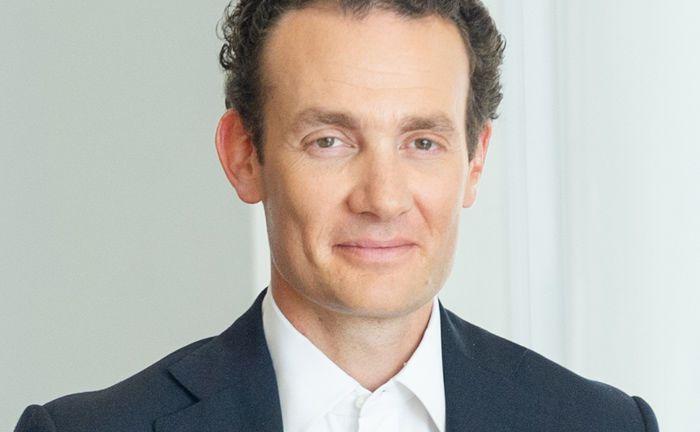 Alexander Rothschild a 7. Rothschild generációhoz tartozik