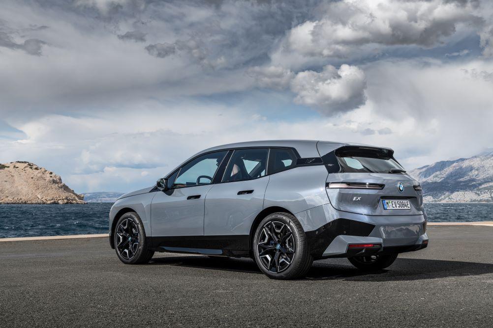 Kiváltképp népszerűek a BMW 3-as, X5-ös, 5-ös és X6-os sorozatai, valamint a legújabb elektromos modellekre is nagy igény mutatkozik