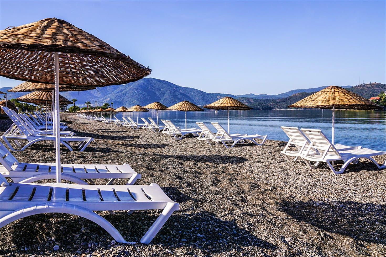 Calis Beach, Fethiye, Törökország – Skyfall (2012)
