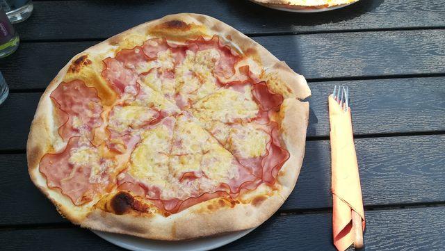 pizza eger