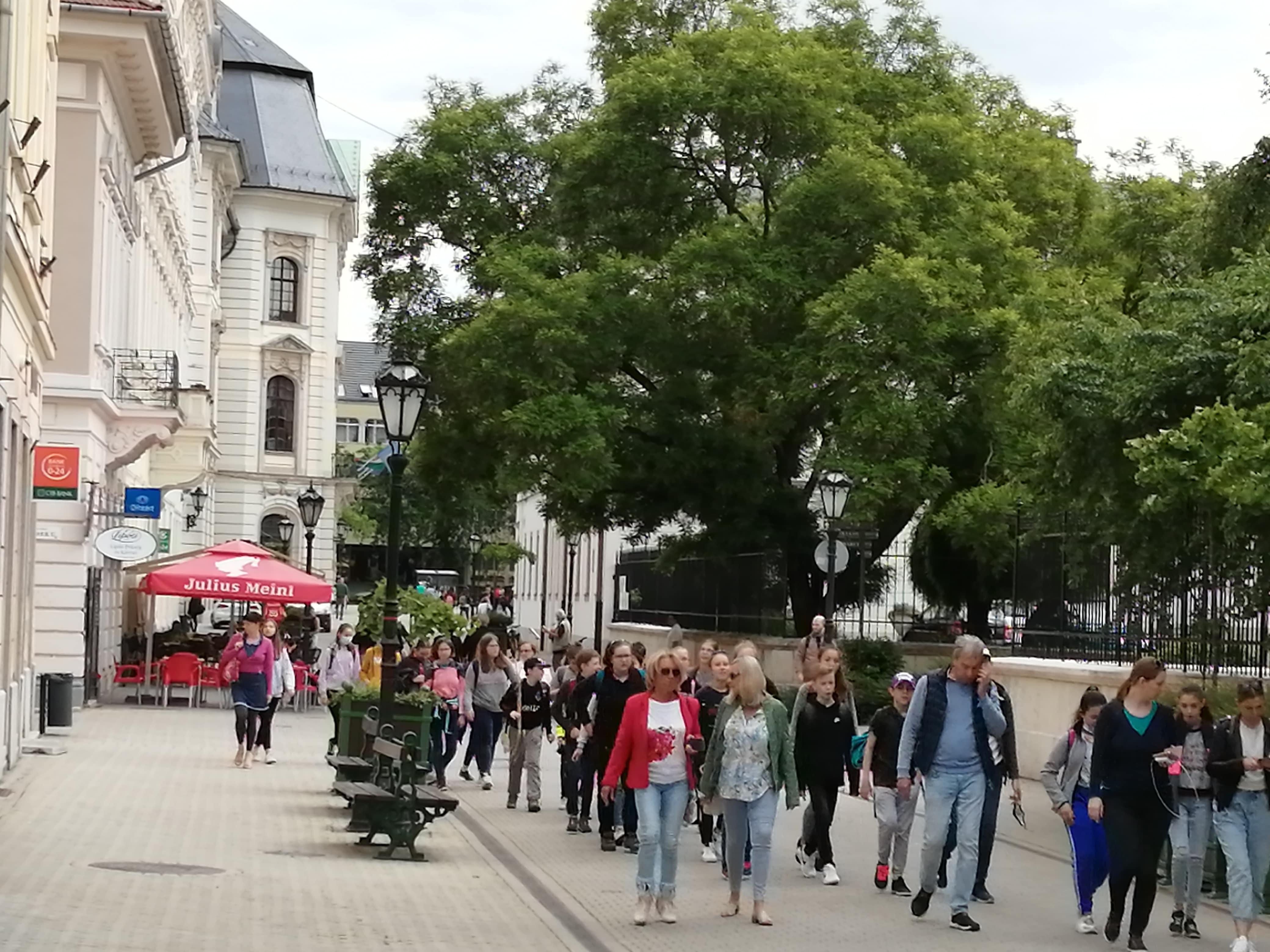 Kötelező egri kirándulás: most még csupán az iskolások nyüzsögnek az utcákon