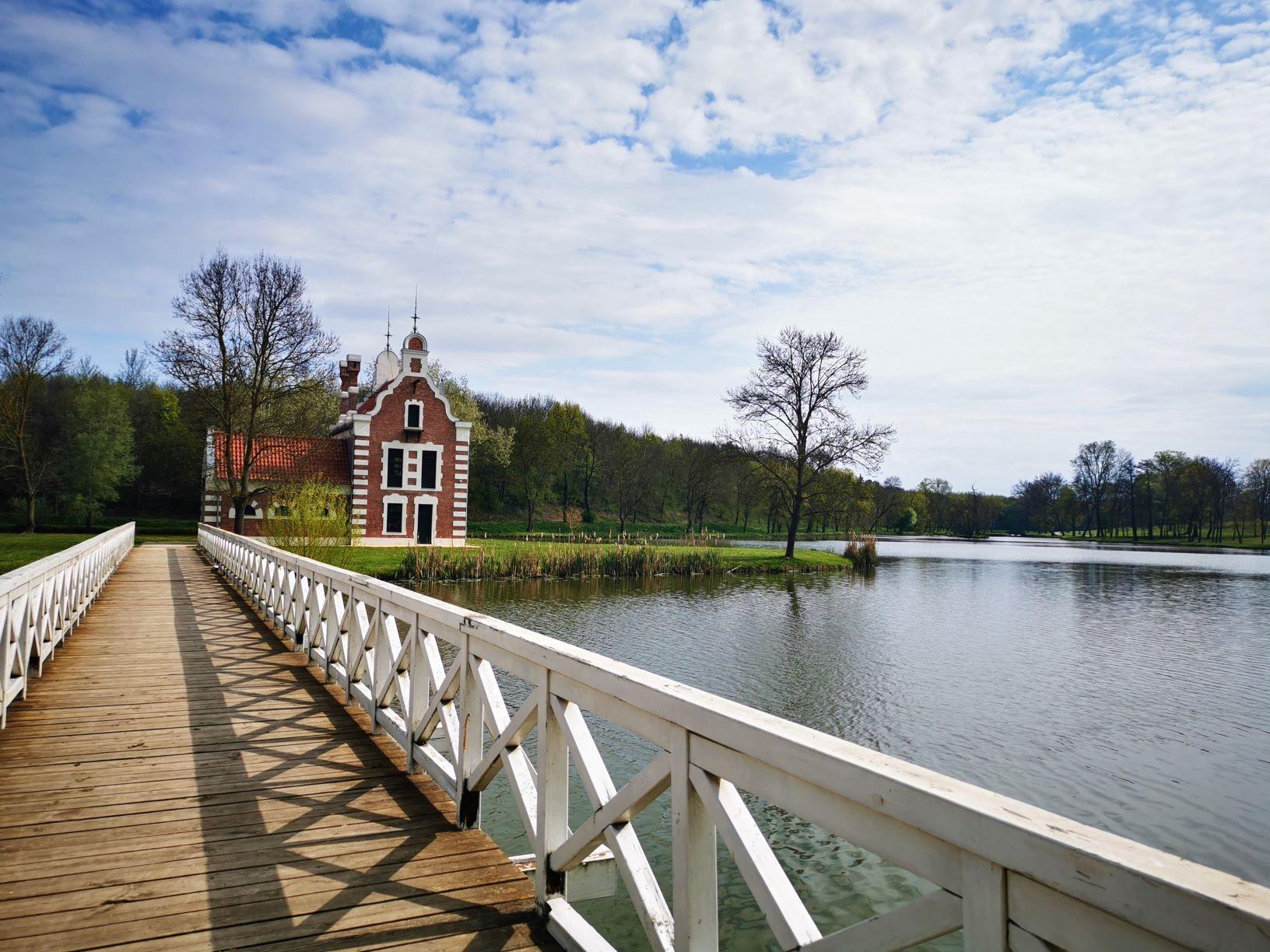 Hollandi-ház Dég kastély park