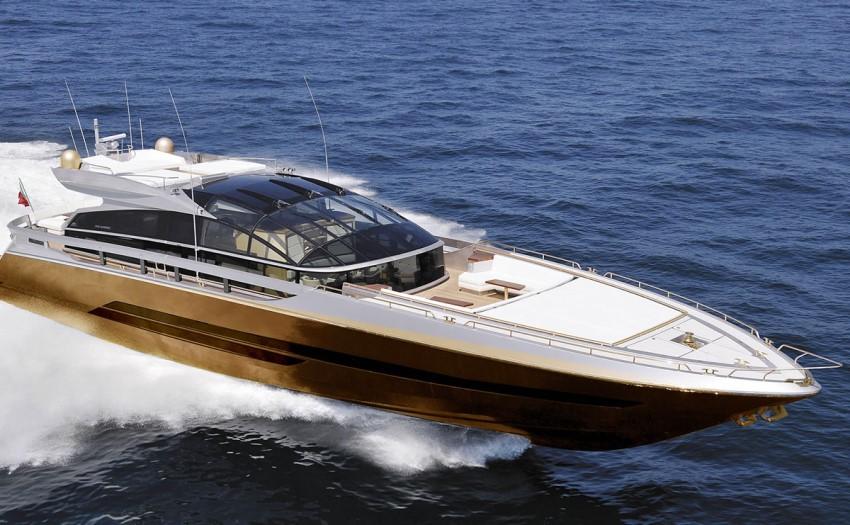 Ez az aranybevonatú hajó kifejezetten Malajzia leggazdagabb emberének Robert Knoknak készült.