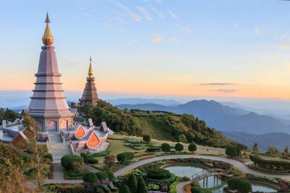 Thaiföld nyaralás utazás pihenés buddhista buddhizmus