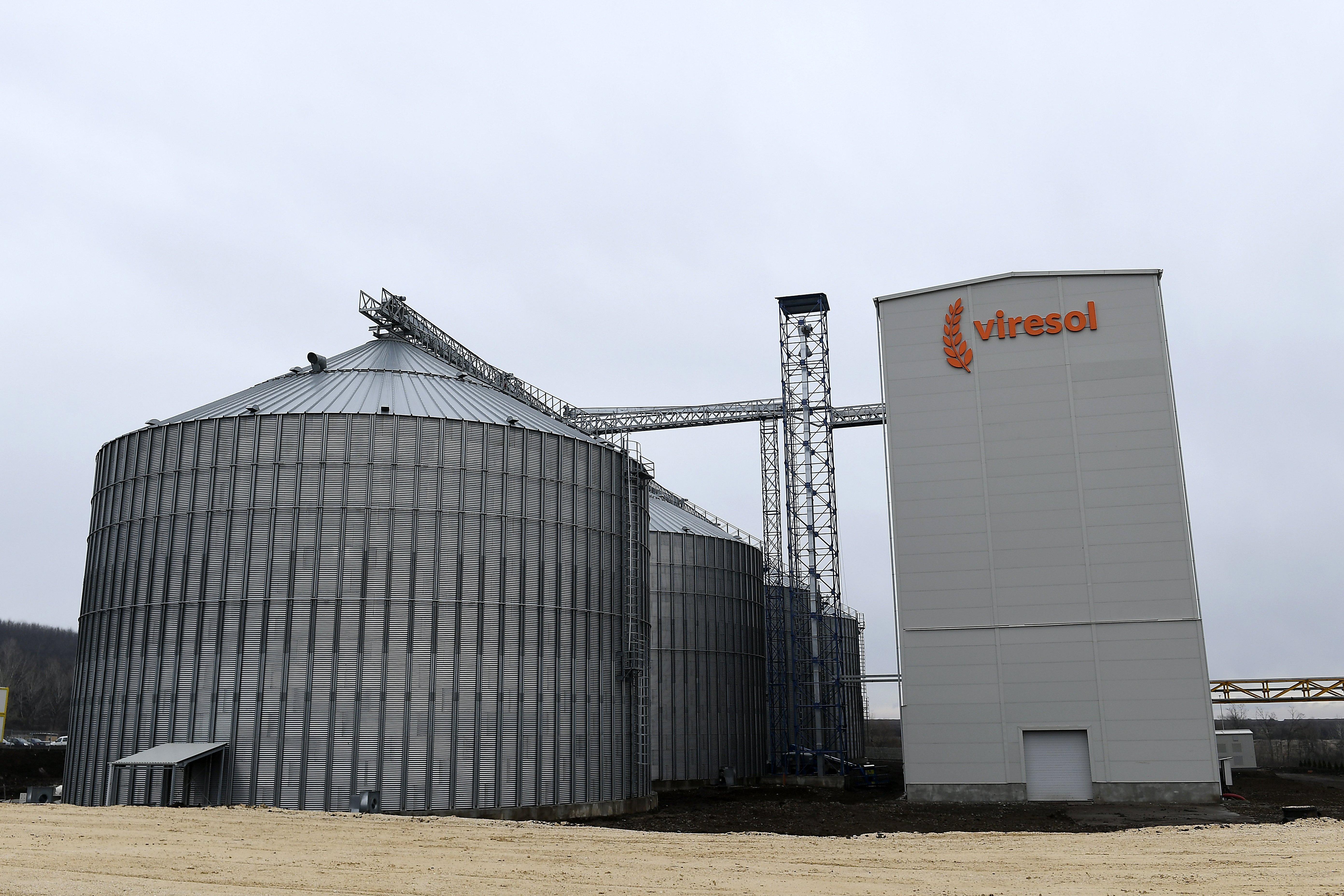 A Viresol Kft. visontai búzakeményítő üzeme az ünnepélyes átadás napján, 2019. február 11-én. Az üzem évi 250 ezer tonna magyarországi GMO-mentes búzát fog feldolgozni világszínvonalú, környezetbarát technológiával, hulladékmentesen.